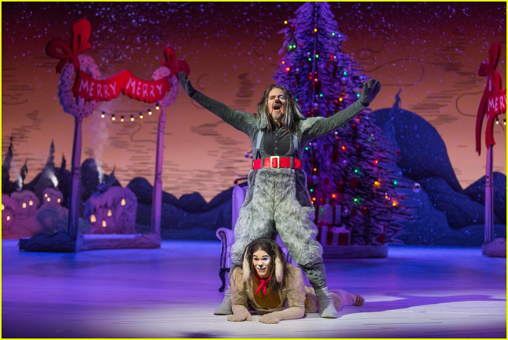 booboo stewart transforms into young max the dog from dr seuss the grinch 22