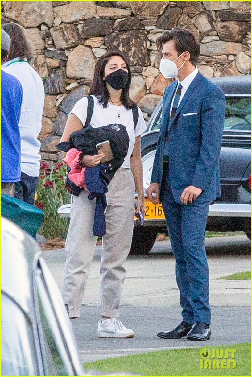 harry styles looks dapper in two suits on dont worry darling set in palm springs 36