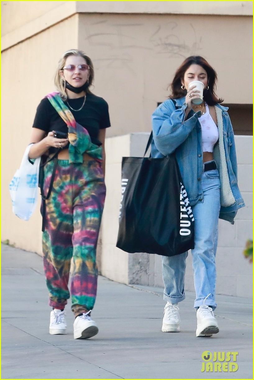 vanessa hudgens gg magree style twins 05