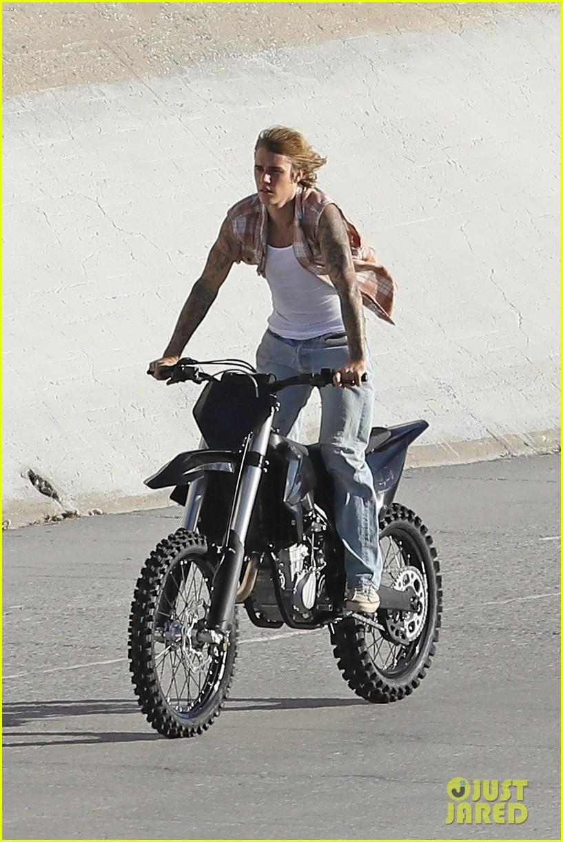justin bieber rides motorcycle music video 01