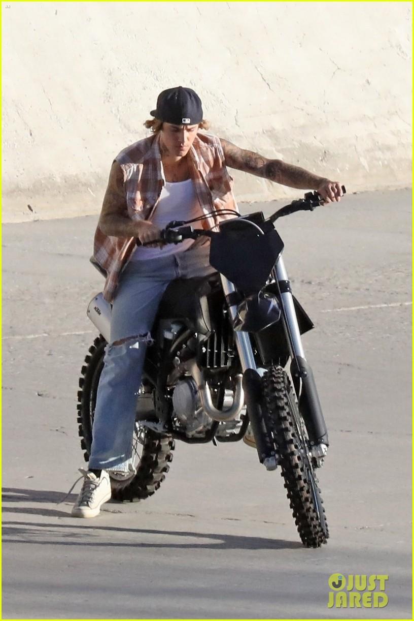 justin bieber rides motorcycle music video 03