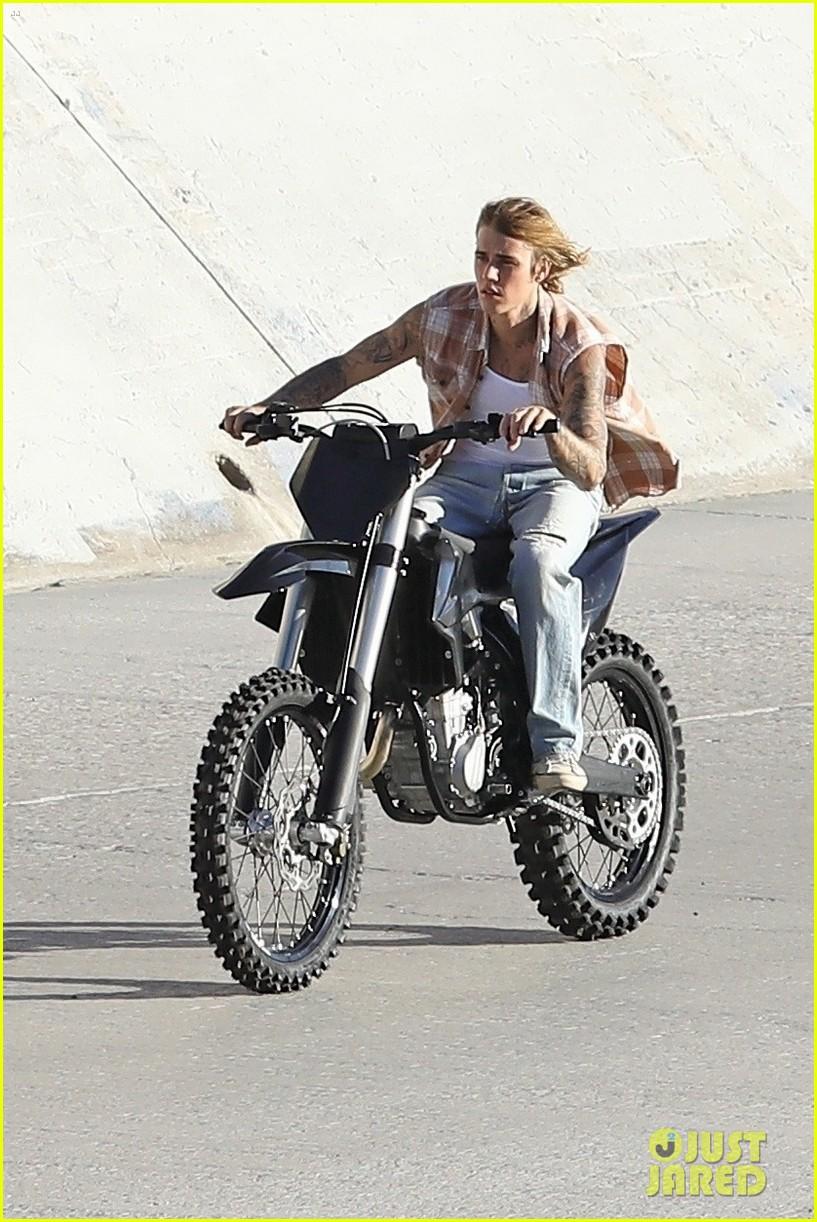 justin bieber rides motorcycle music video 43