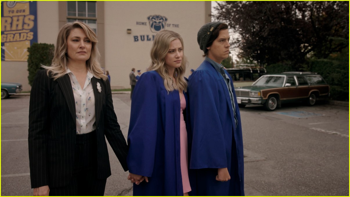 riverdale cast leave high school in graduation first look photos 05