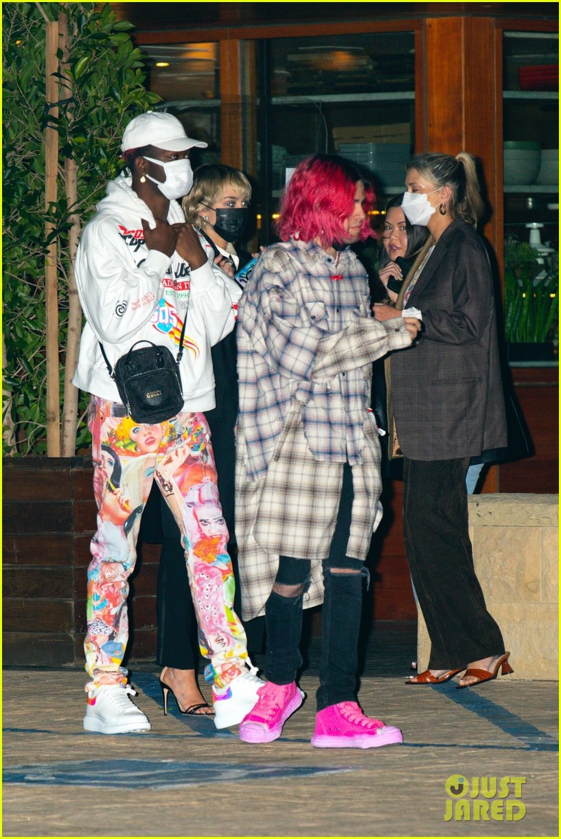 miley cyrus lil nas x dinner with friends 02