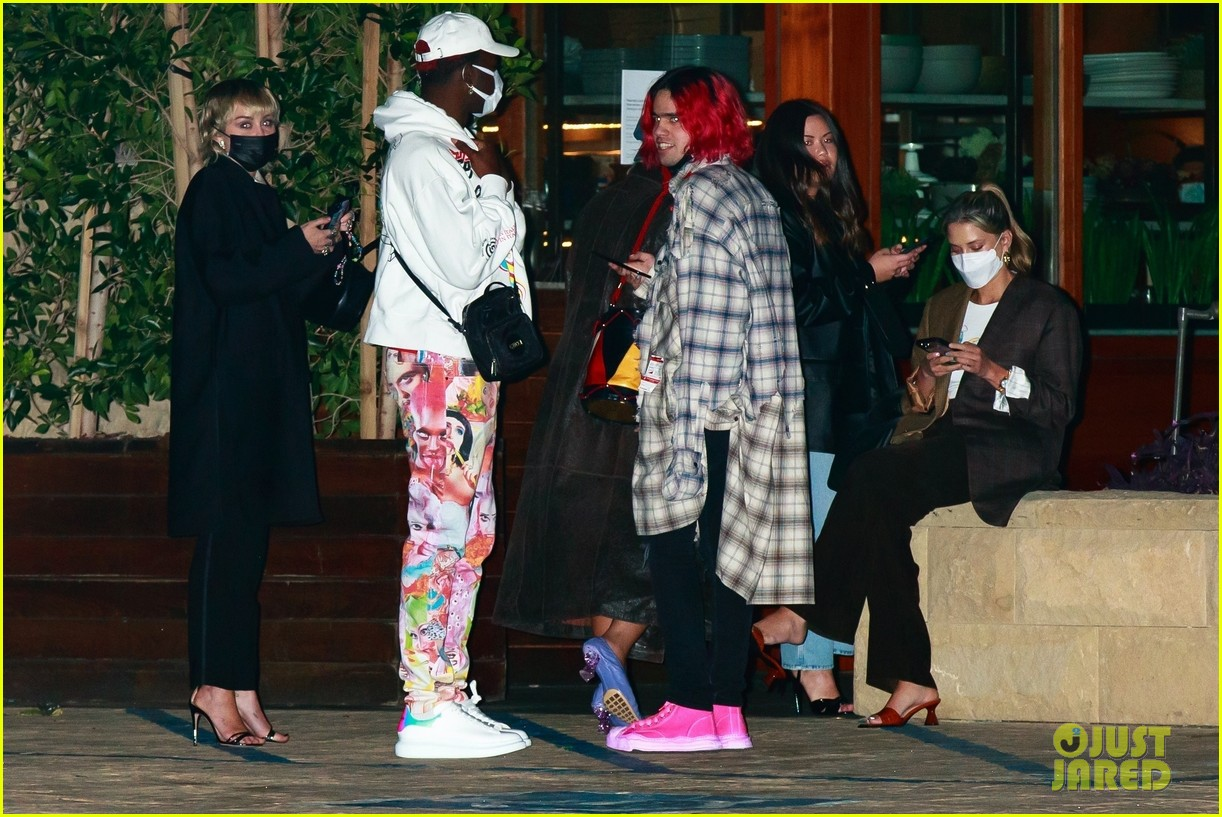 miley cyrus lil nas x dinner with friends 03