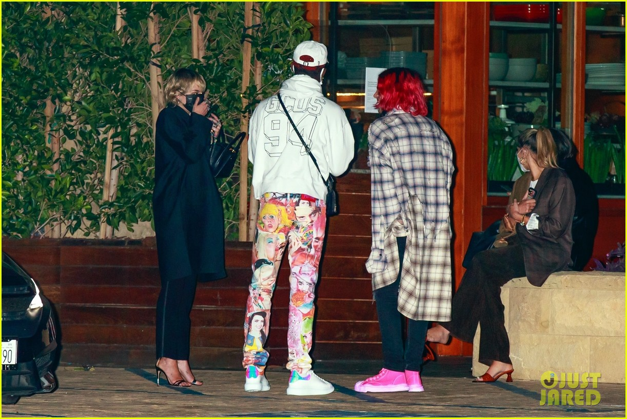 miley cyrus lil nas x dinner with friends 05