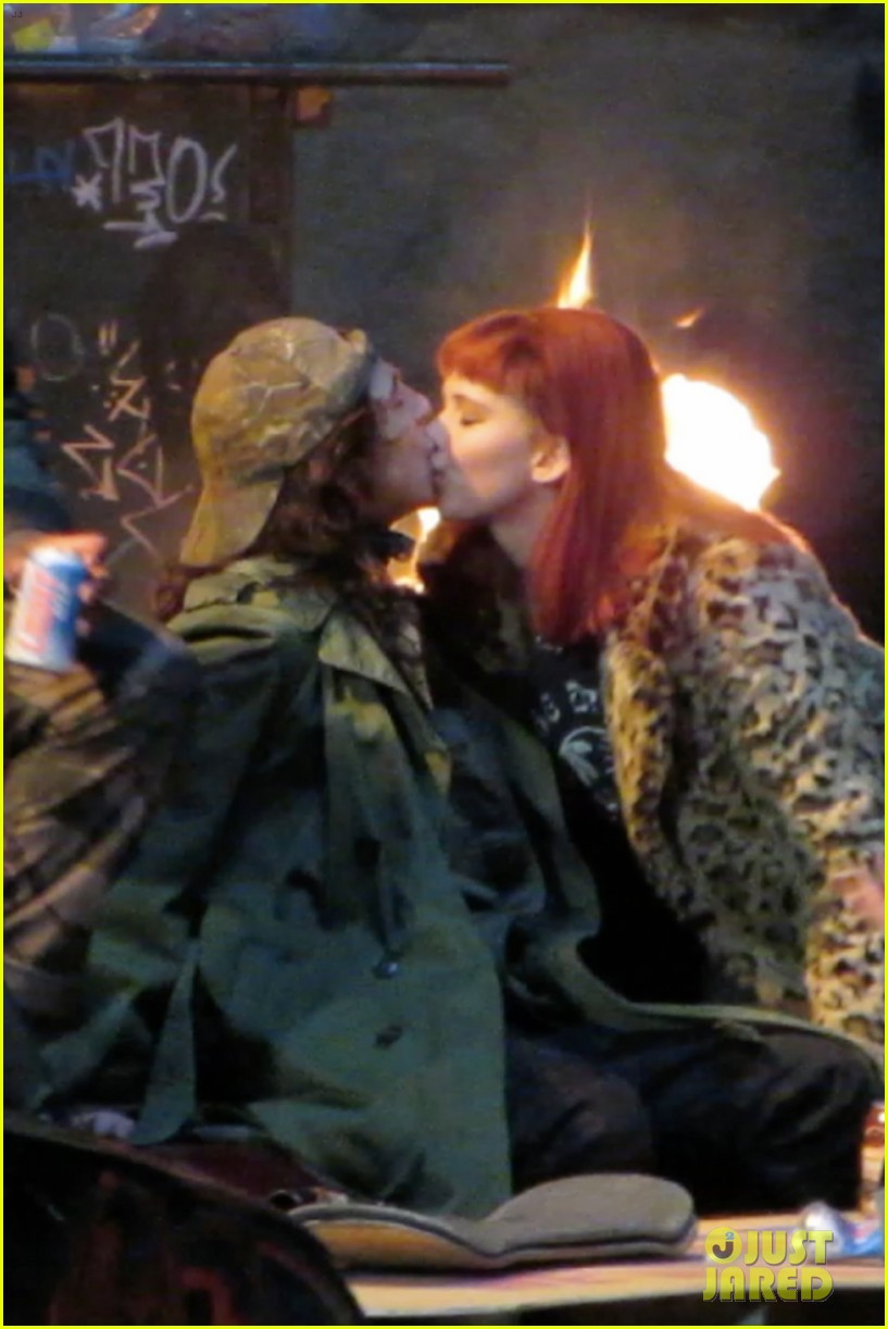 jennifer lawrence makes out with timothee chalamet 09