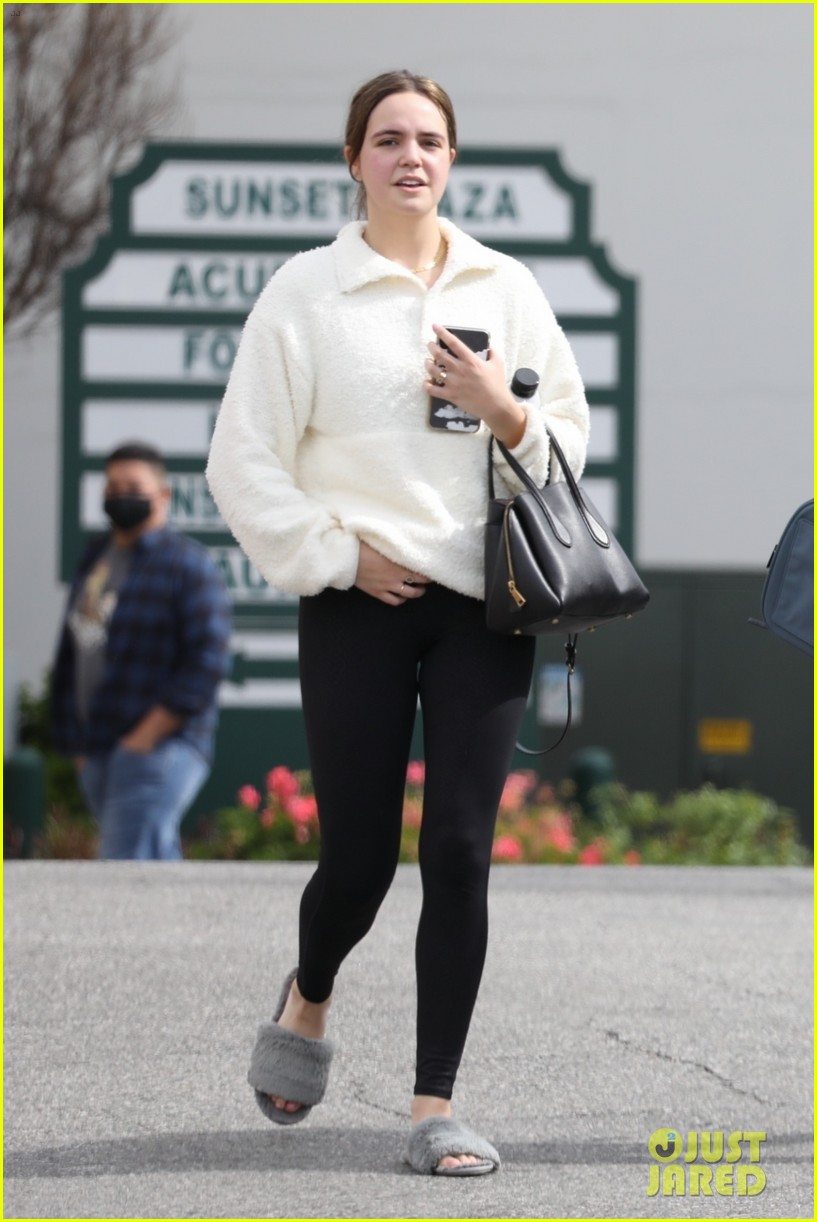 lucy hale bailee madison hit up pilates class together 02