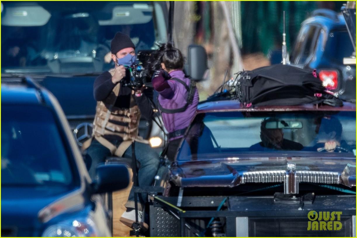 hailee steinfeld jeremy renner continue filming hawkeye in atlanta 21