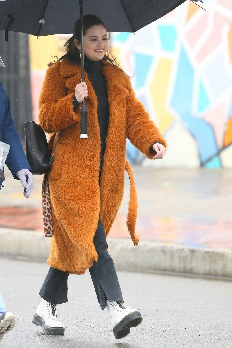 selena gomez leopard orange coat only murders martin short steve martin 12