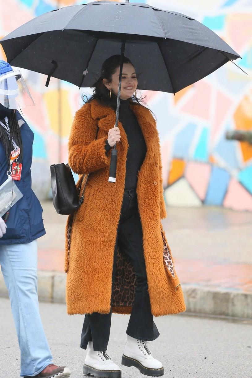 selena gomez leopard orange coat only murders martin short steve martin 13