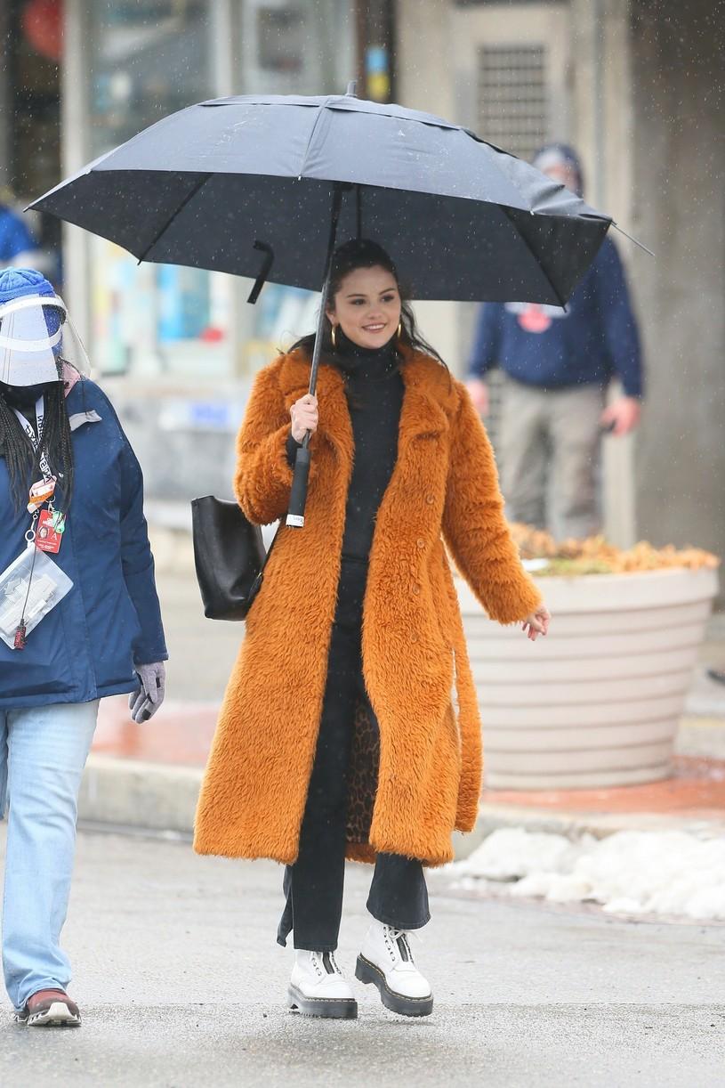 selena gomez leopard orange coat only murders martin short steve martin 19