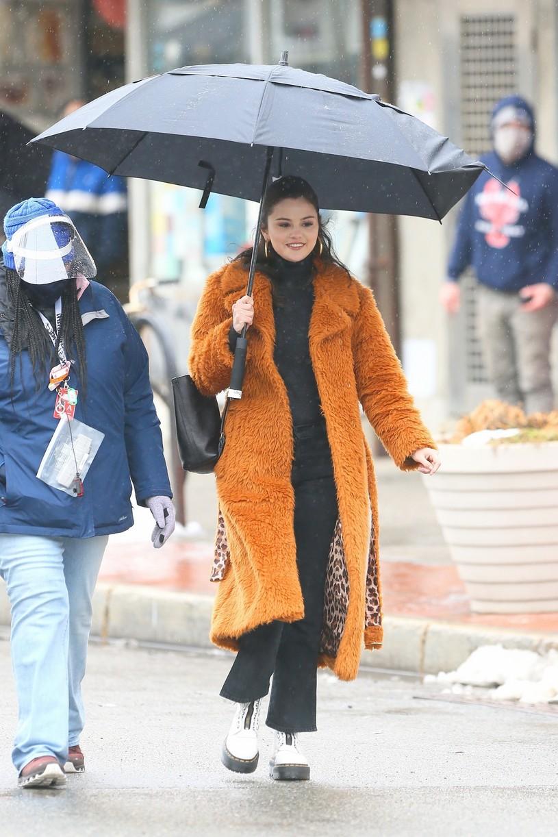 selena gomez leopard orange coat only murders martin short steve martin 21