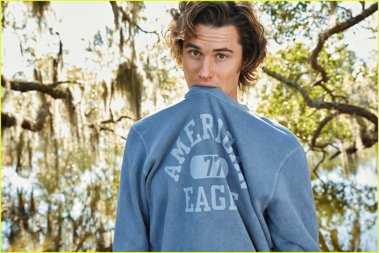 chase stokes madison bailey american eagle 01