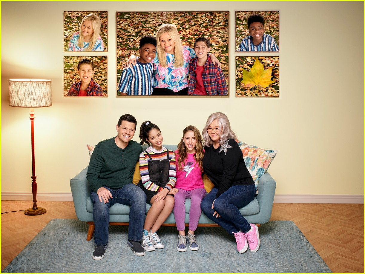 disney channel reveals sydney to the max season three premiere 02
