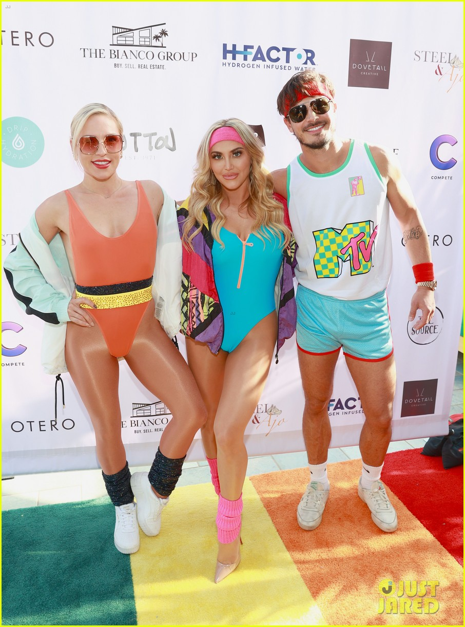 dominic sherwood jack griffo more get into 80s spirit for cassie scerbo bday 14