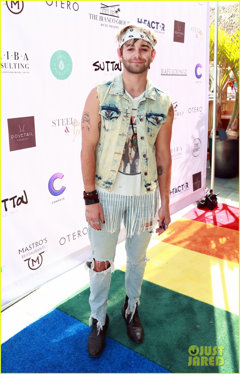 dominic sherwood jack griffo more get into 80s spirit for cassie scerbo bday 20