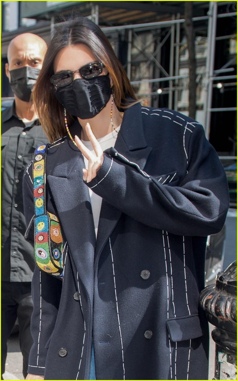 kendall jenner nyc trench 02