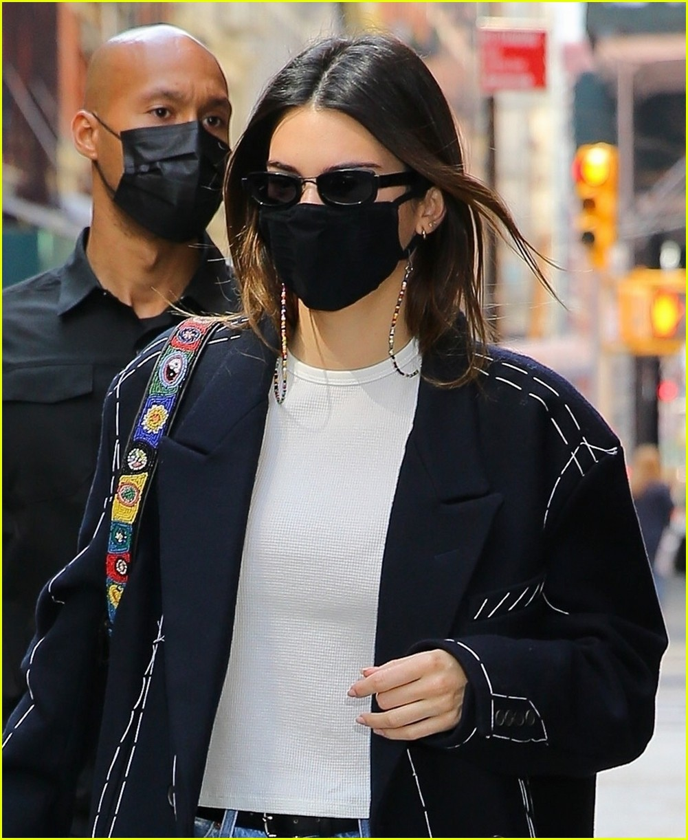 kendall jenner nyc trench 05