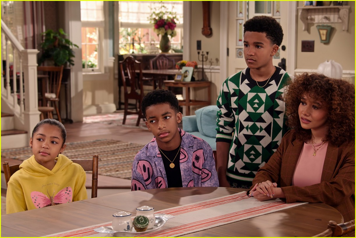 talia jackson isaiah russell bailey more star in family reunion part 3 trailer 02