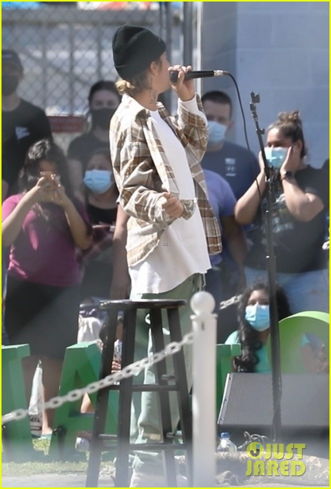 justin bieber performs at school after night out with hailey bieber 07