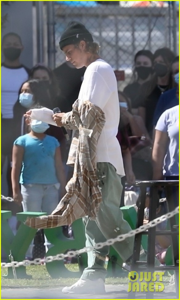 justin bieber performs at school after night out with hailey bieber 12