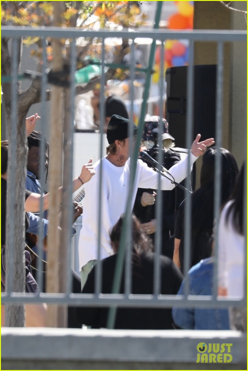 justin bieber performs at school after night out with hailey bieber 38