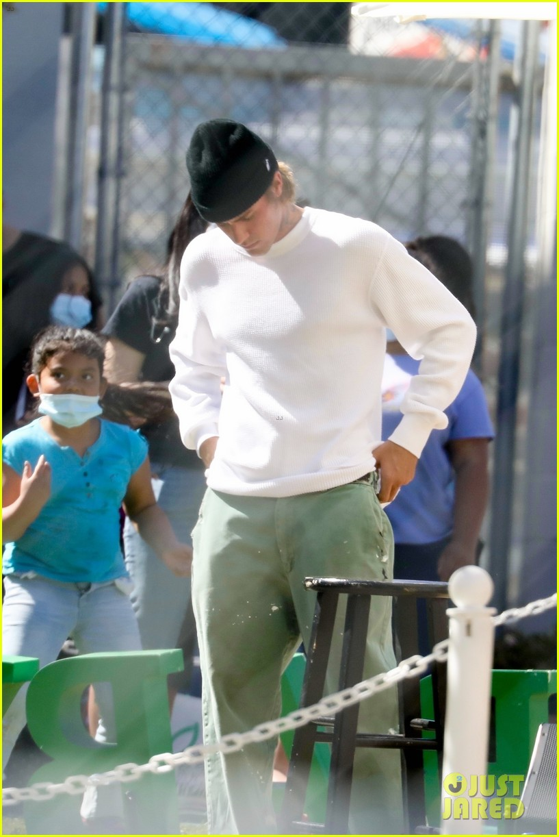 justin bieber performs at school after night out with hailey bieber 48