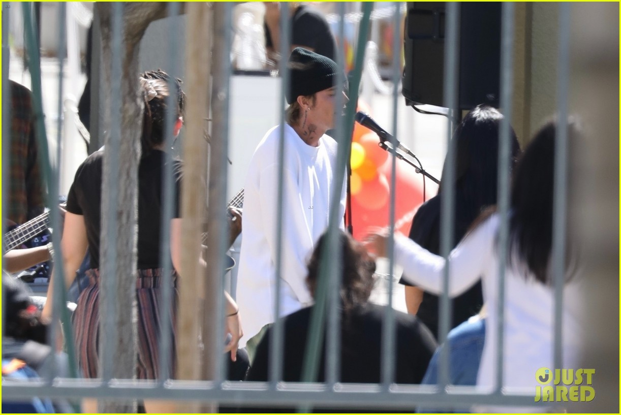 justin bieber performs at school after night out with hailey bieber 54