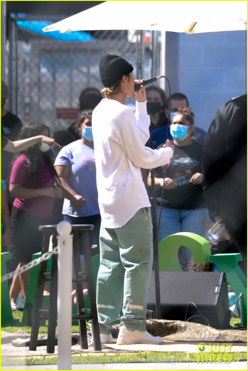 justin bieber performs at school after night out with hailey bieber 62