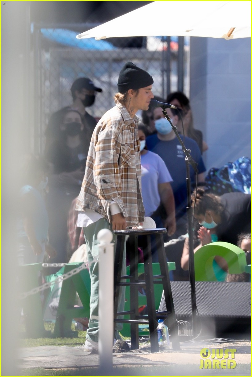 justin bieber performs at school after night out with hailey bieber 69