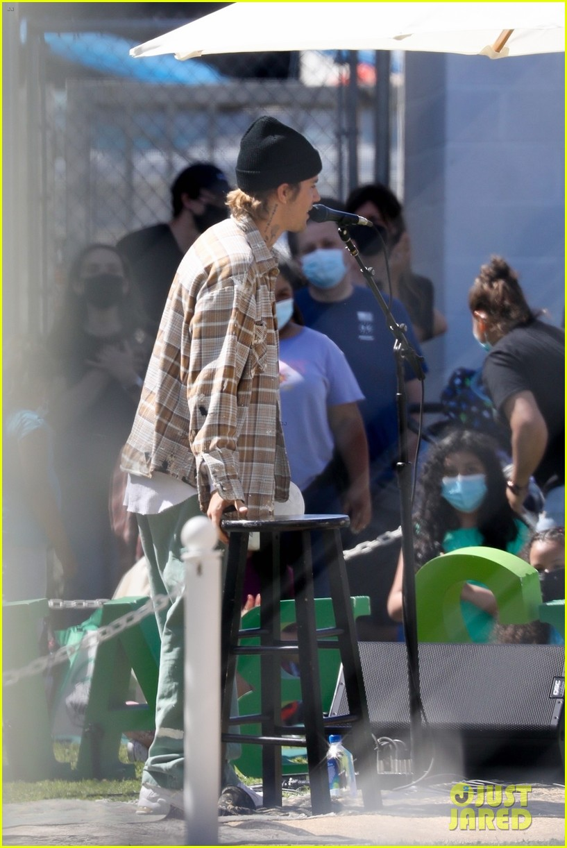 justin bieber performs at school after night out with hailey bieber 75
