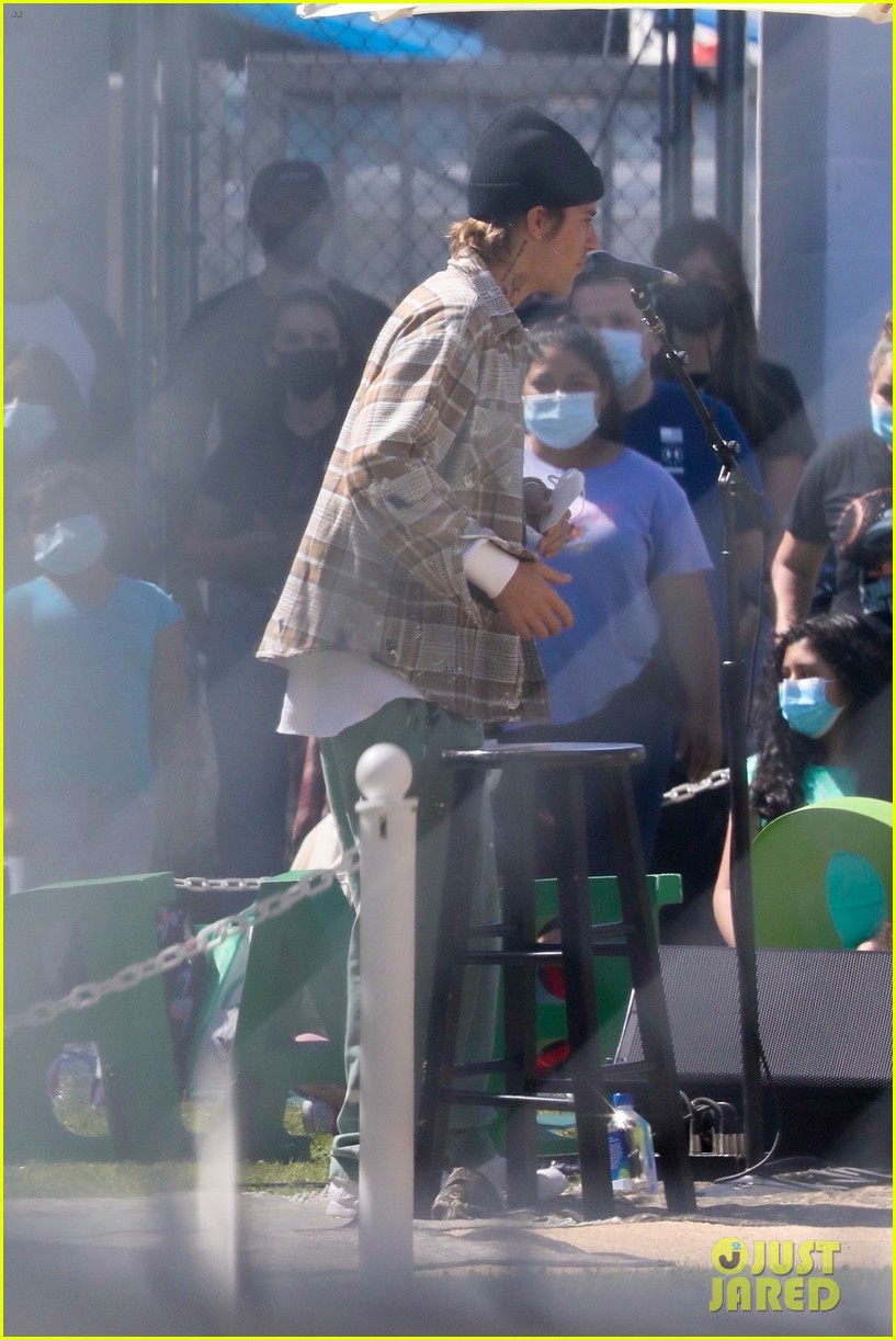 justin bieber performs at school after night out with hailey bieber 76