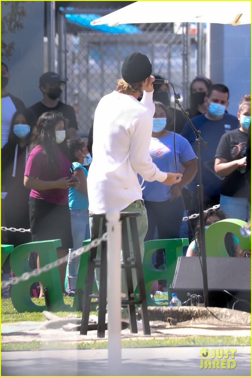 justin bieber performs at school after night out with hailey bieber 82