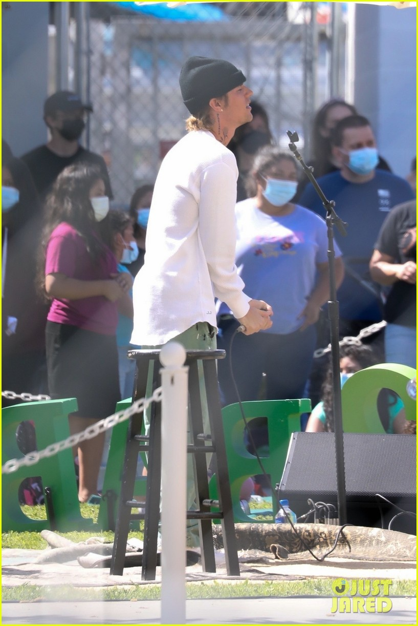 justin bieber performs at school after night out with hailey bieber 83