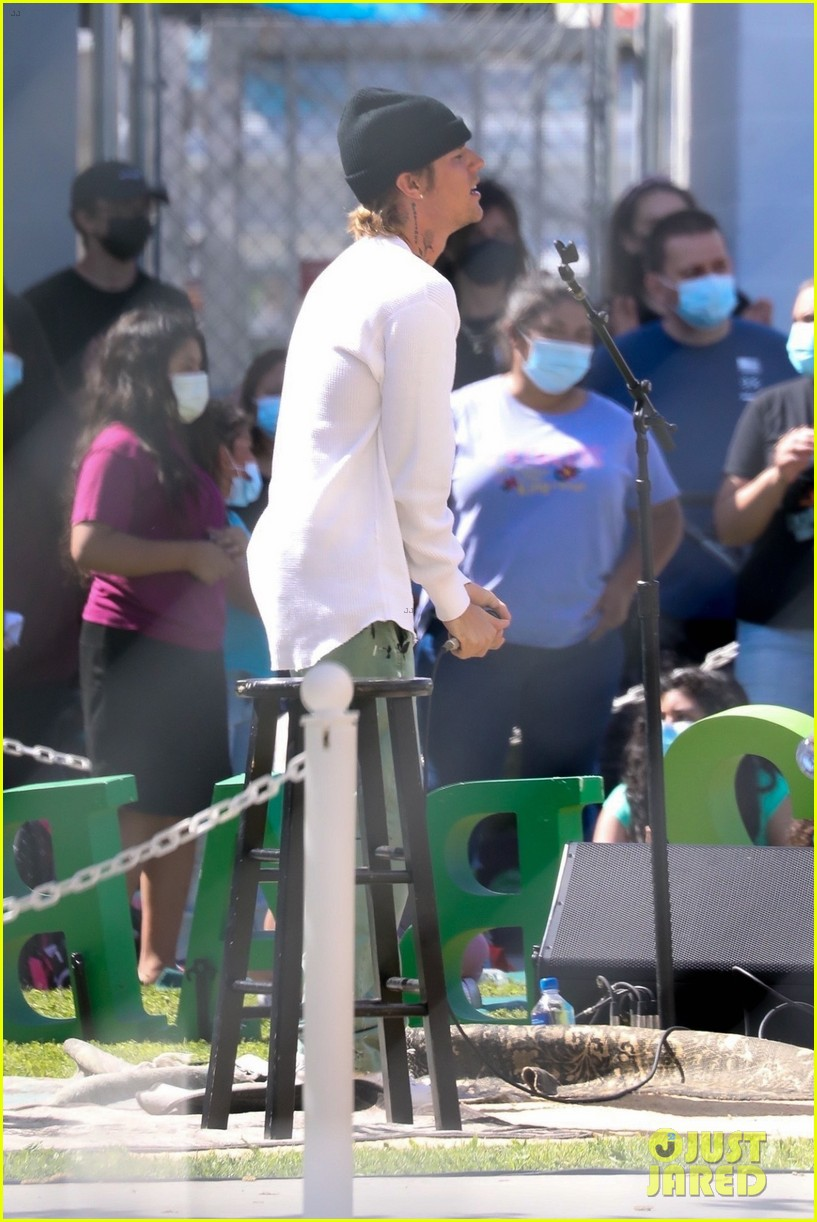 justin bieber performs at school after night out with hailey bieber 86