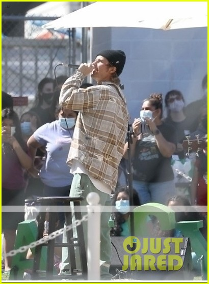 justin bieber performs at school after night out with hailey bieber 96