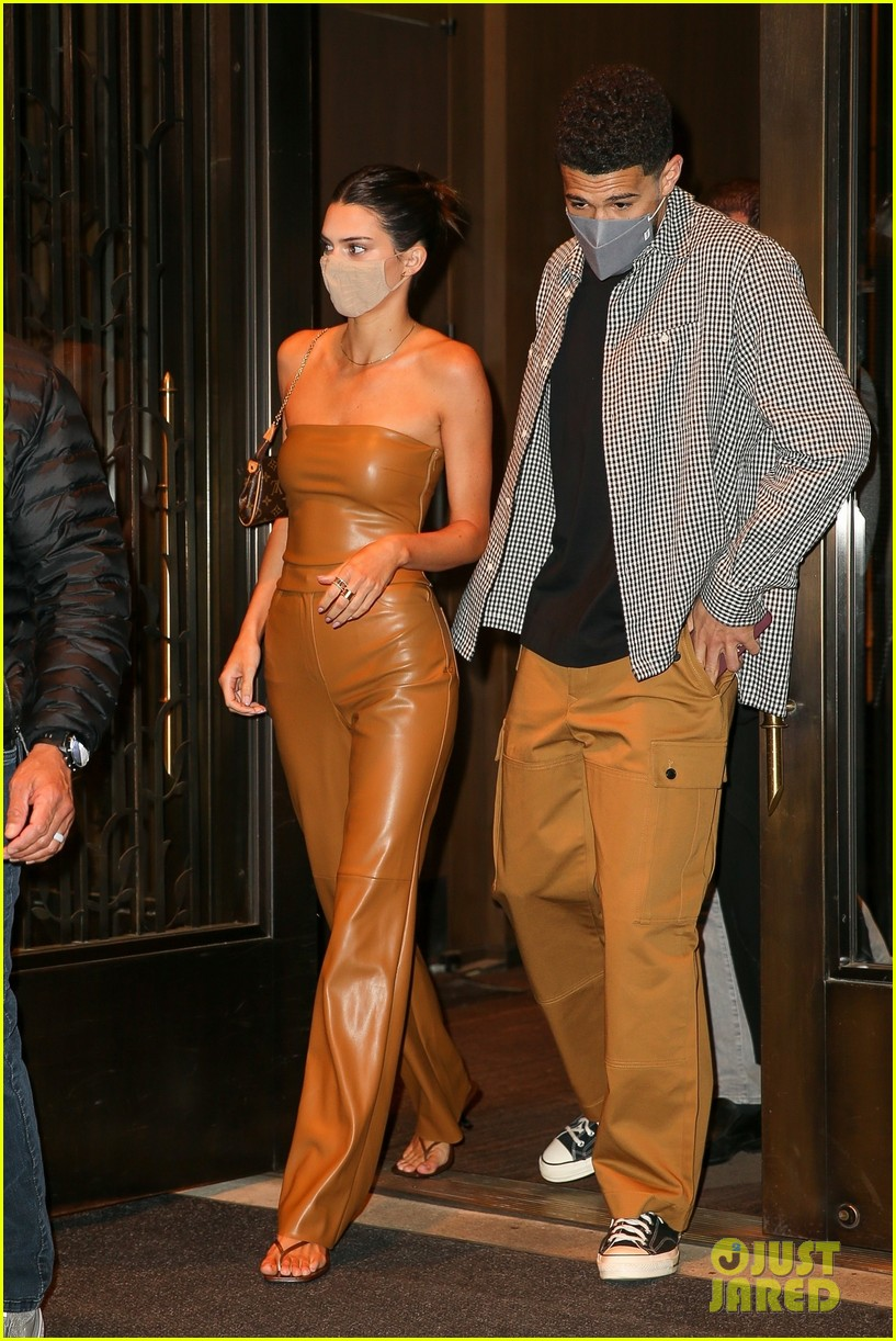 kendall jenner devin booker hold hands on date night 06