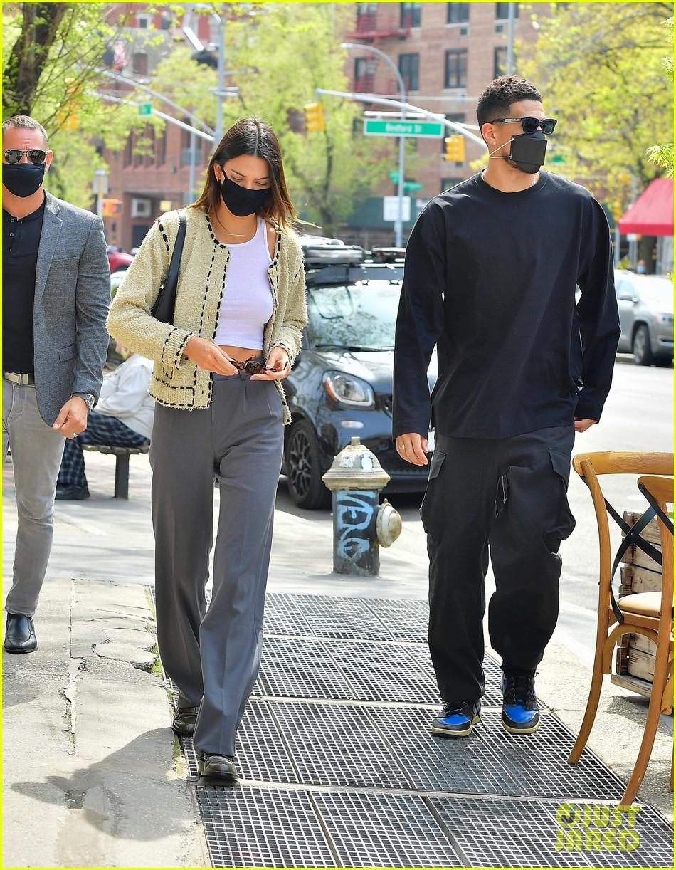 Kendall Jenner: Guy Hepner Gallery Girl | Photo 551765