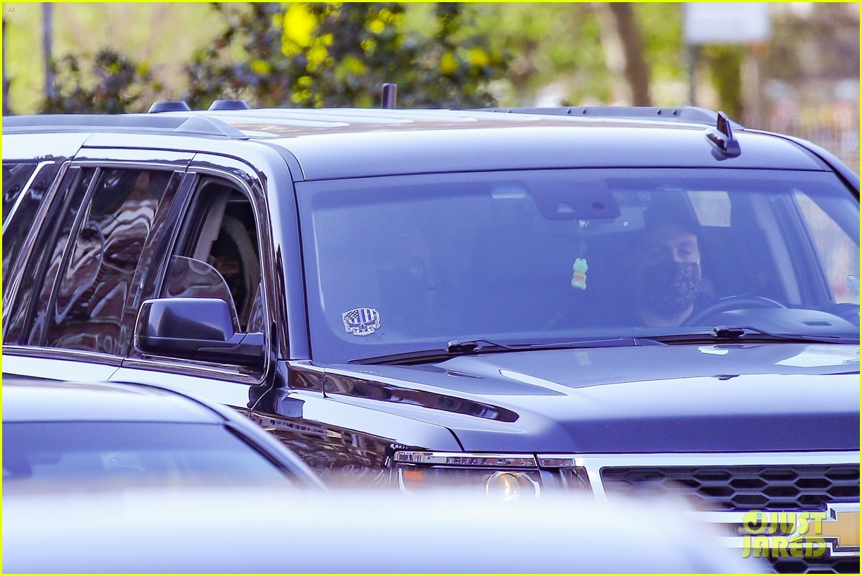 timothee chalamet runs errands lily rose depp waits in car 05