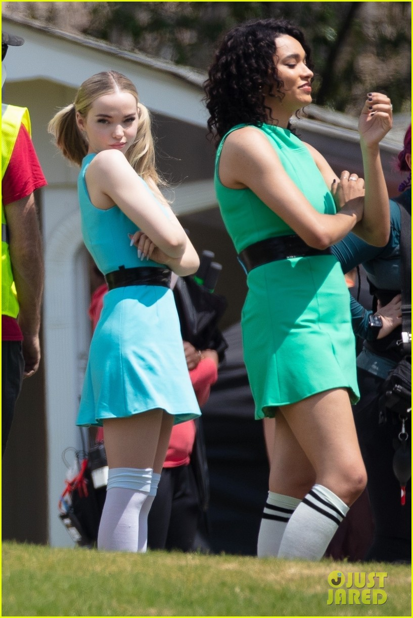 dove cameron chloe bennett yana perault get into character on first day of powerpuff 09