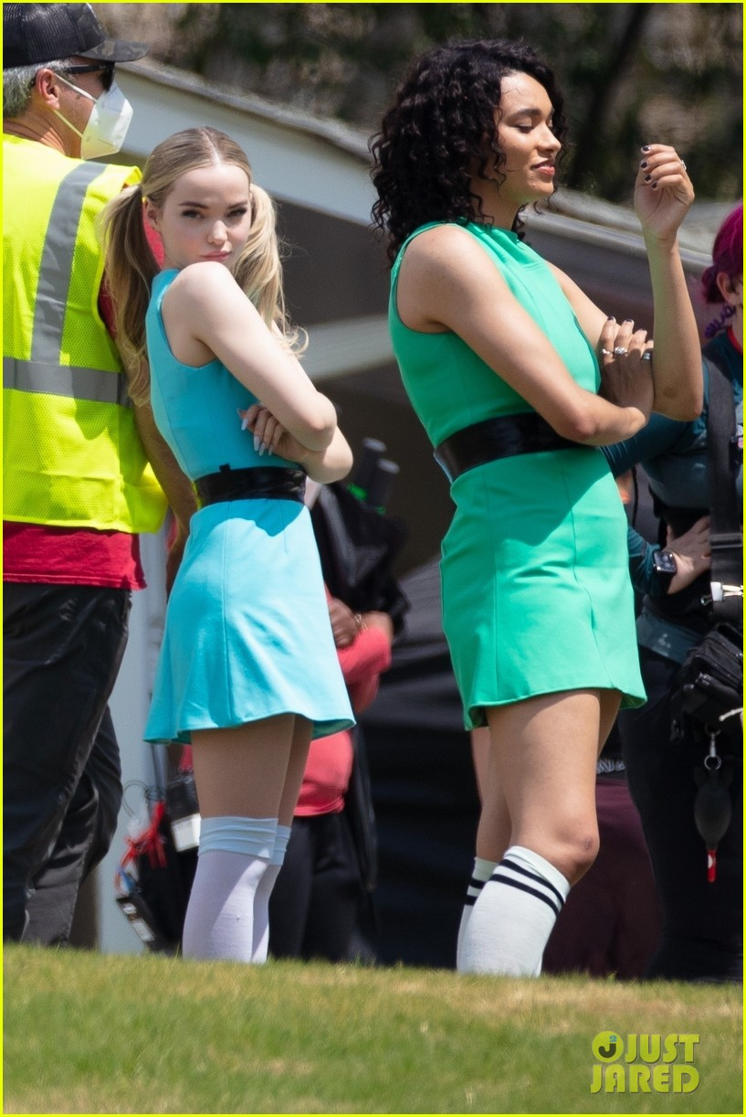 dove cameron chloe bennett yana perault get into character on first day of powerpuff 10