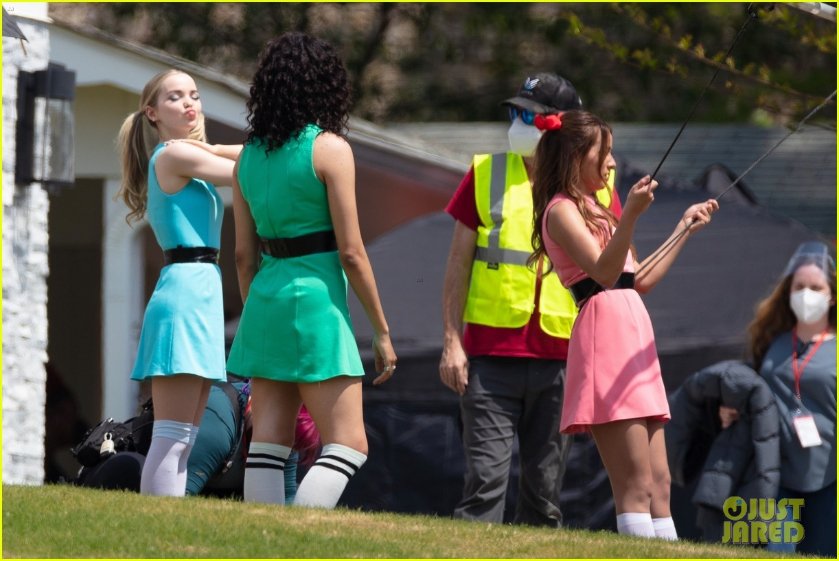 dove cameron chloe bennett yana perault get into character on first day of powerpuff 16