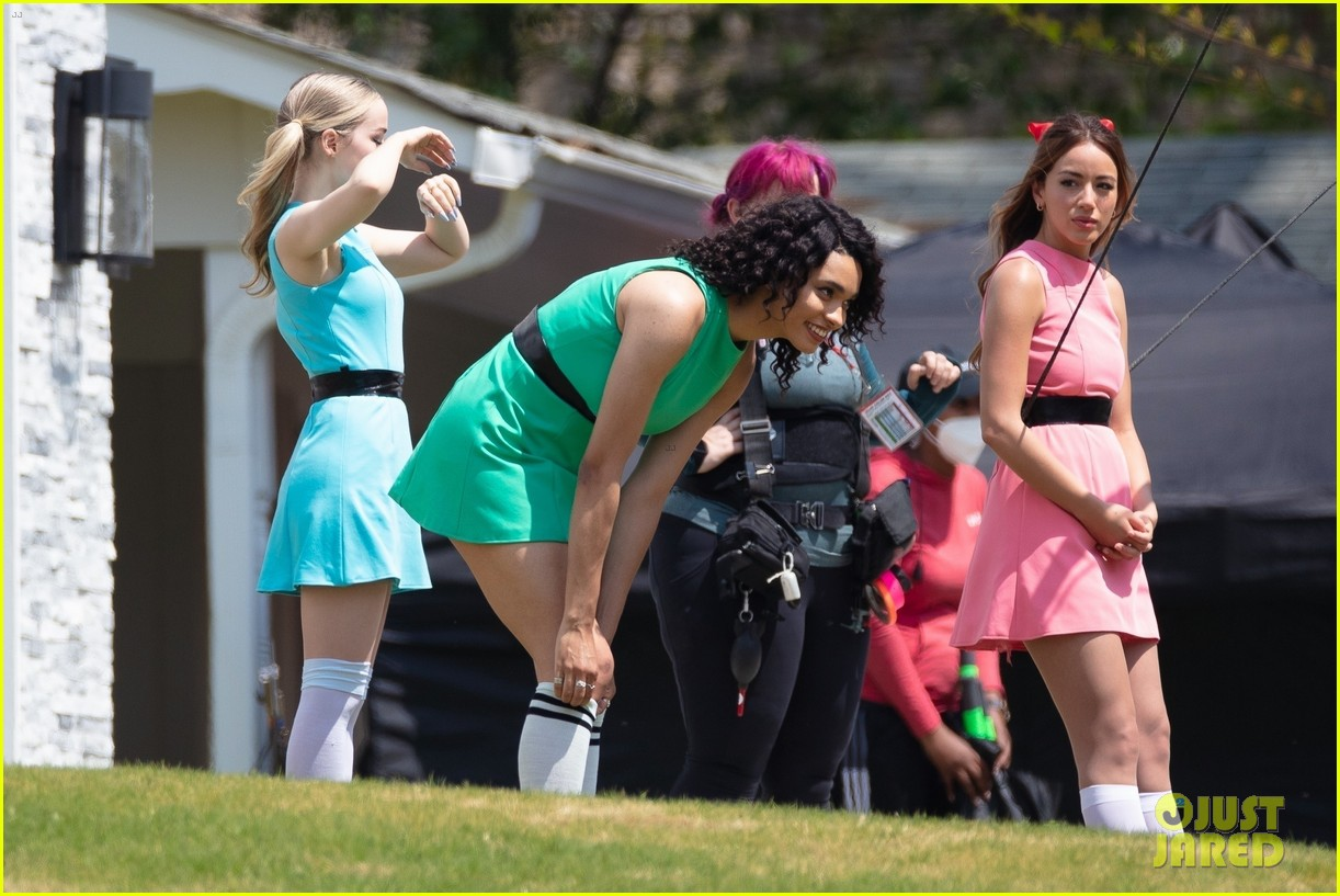 dove cameron chloe bennett yana perault get into character on first day of powerpuff 51