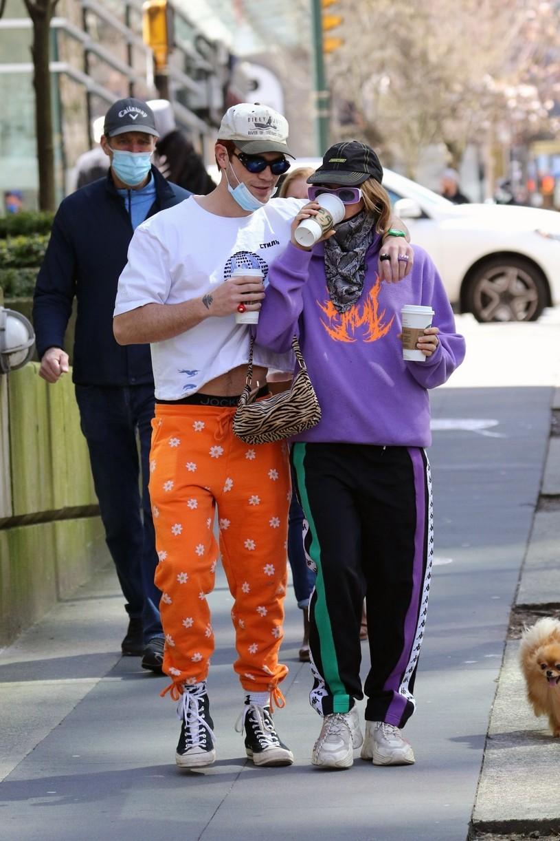 kj apa clara berry coffee walk dog vancouver 01