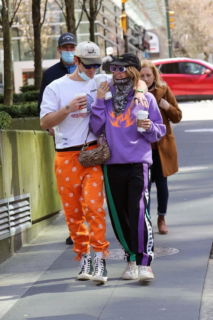 kj apa clara berry coffee walk dog vancouver 09