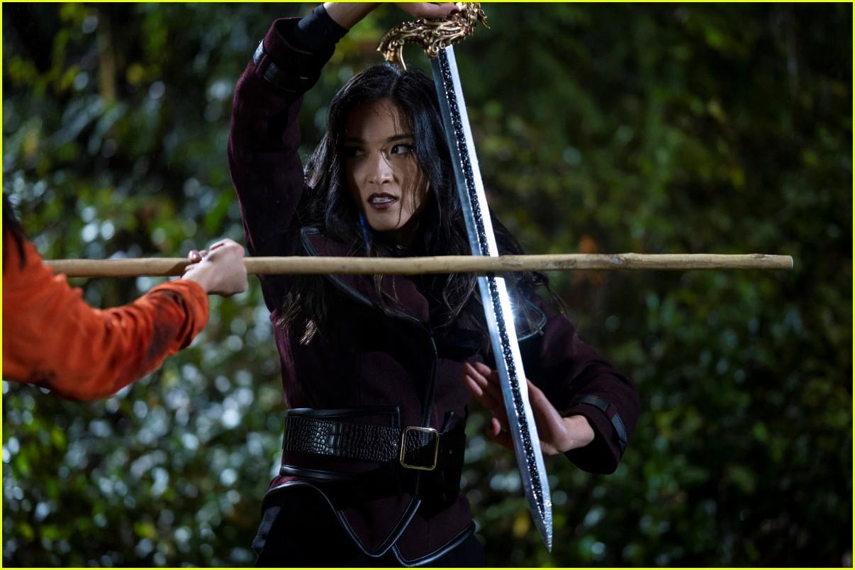 cws groundbreaking new show kung fu premieres tonight sneak peek 12