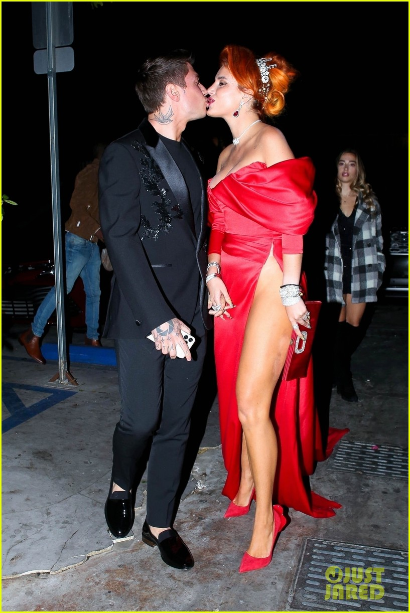 bella thorne engagement party with benjamin mascolo 01