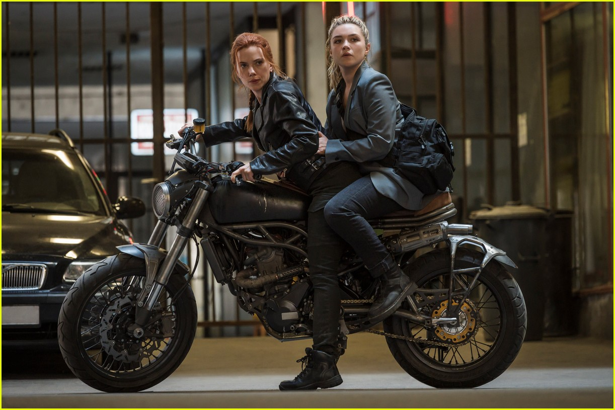 florence pugh ever anderson star in new black widow trailer 04