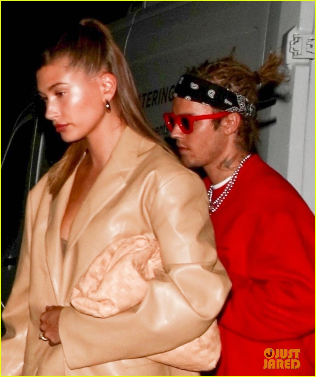 justin bieber new hairstyle at dinner with hailey bieber 04